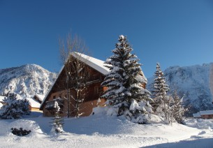 Rest and relaxation at the Chalet d'en Hô