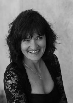 Valérie Dellong, Chanteuse lyrique mezzo-soprano