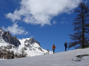 Snowshoeing in the Chardonnet valley