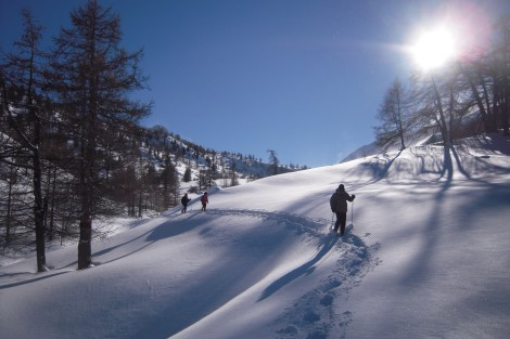 Snowshoeing in the Buffere valley